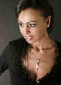 Dominante Lady Sara aus Z�rich sucht Sklaven (ofi)