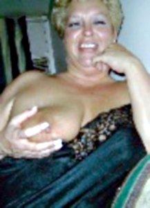 erotikfind.ch | SM Schweiz - Domina Luxxxia sucht Sklaven in Bern