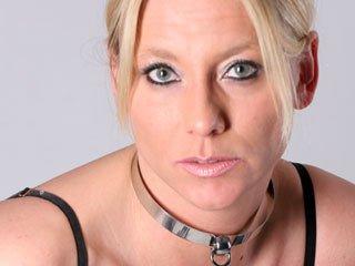 erotikfind.ch | Reife Schweizer Domina live in der Sklaven Cam