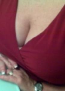 erotikfind.ch | Willige Hausfrau Fionie sucht geile Sex Treffen