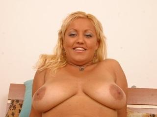 erotikfind.ch | Amateursex aus Basel mit molliger Blondine