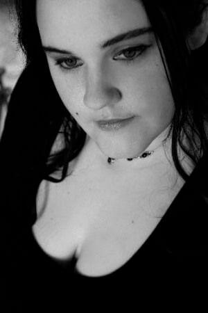erotikfind.ch | Devote mollige Lady aus Z�rich sucht dominante M�nner